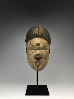 Маска народа Огони