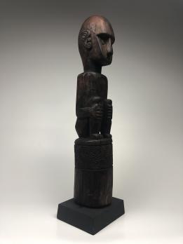 Статуя народа Атони
