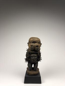 Статуэтка-фетиш нкиси народа Йомбе