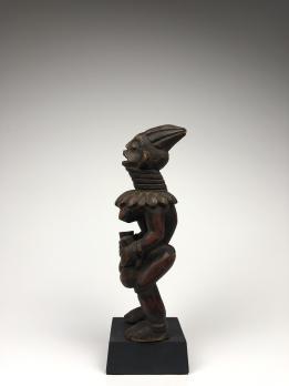 Мемориальная статуэтка народа Бангва, Камерун, Центральная Африка.