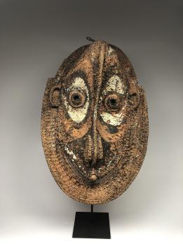Фронтонная маска церемониального дома, регион среднего течения реки Сепик