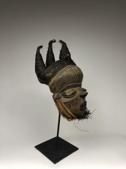 Маска Мбуйя народа Пенде