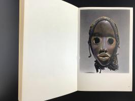 Книга «L'art De L'afrique Occidentale Sculptures Et Masques Tribaux»_2