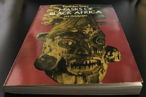 Книга «Masks Of Black Africa»_36